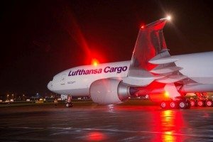 Lufthansa-Cargo-Flugzeug_3_groß-600