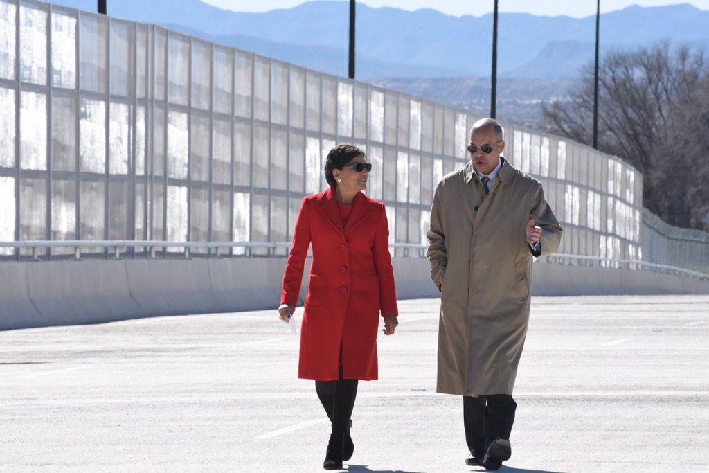Secretary Pritzker and DHS Secretary Johnson cross the Tornillo-Guadalupe International Bridge. Photo Source: www.commerce.gov