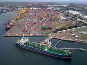 640px-Sydney_container_port_by_air_-2
