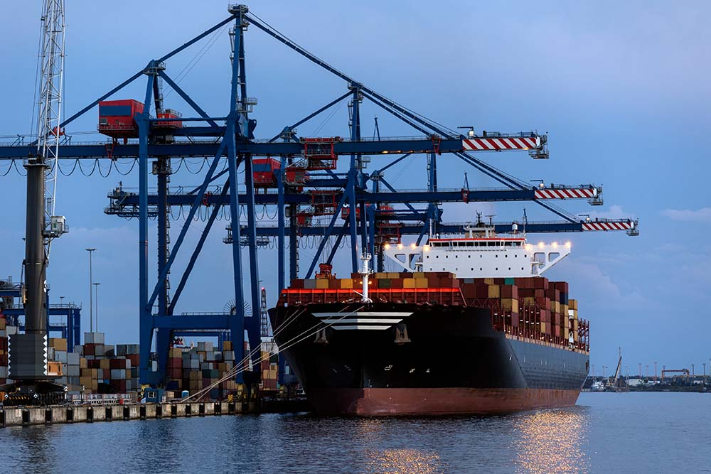 Spot Rates Affected by Container and Vessel Capacity